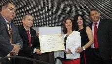 Foto Reitora Nair Portela recebe o título de cidadã de São Luís da Câmara Municipal